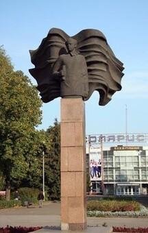 Памятник Скороходову